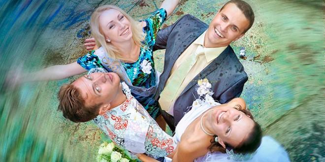 Поздравление на свадьбу от друзей прикольные сценки