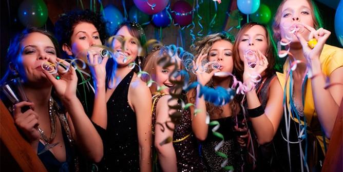 Новогодние сценарии для взрослых конкурсы