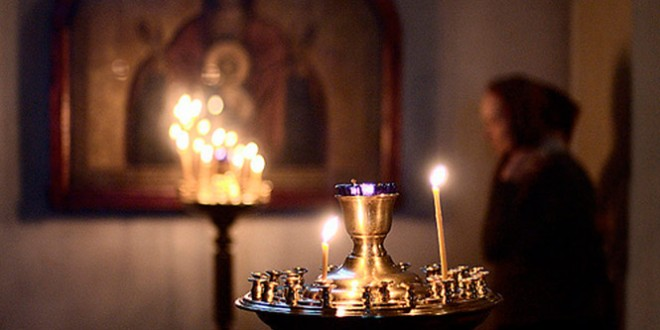 какие молитвы читать на страстной неделе