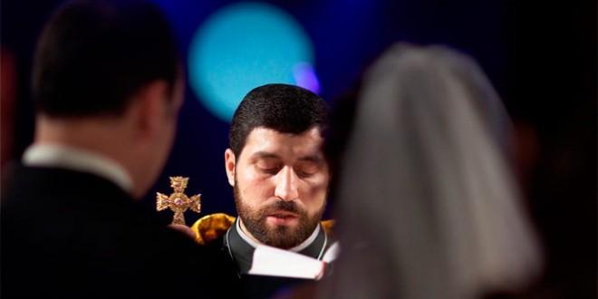 венчаться в армянской или католической церкви